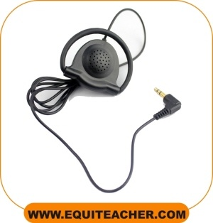 equiteacher-oortje-paardensport-wireless-horse-riding-instruction-system-whis-ceecoach-coachphone